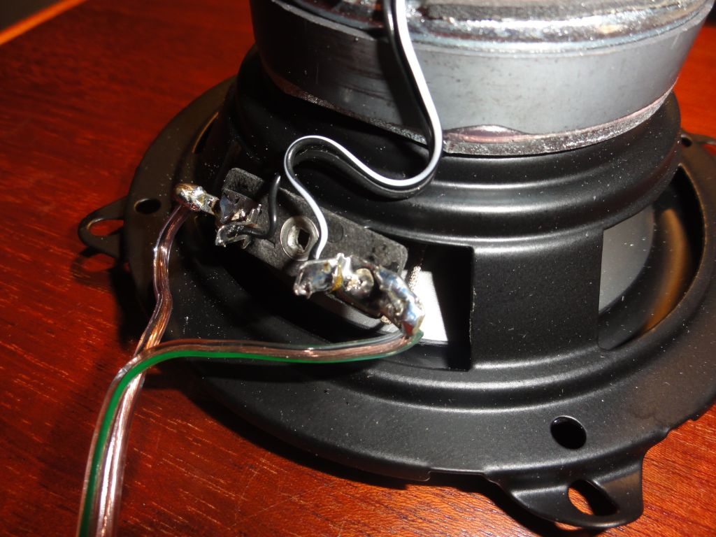 Weld the wires in the speaker terminals.